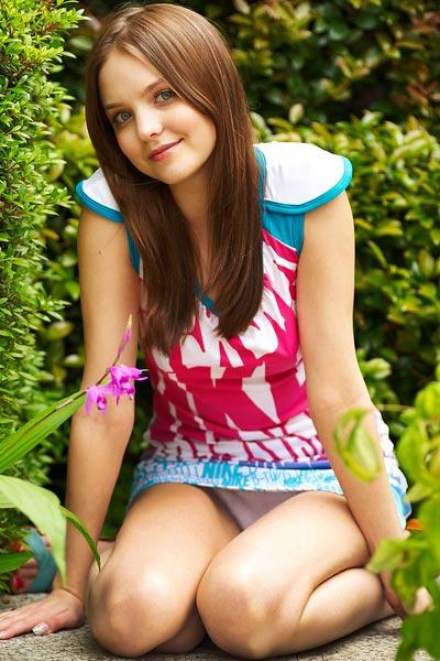 Model Amelie in Postcard From Tokyo