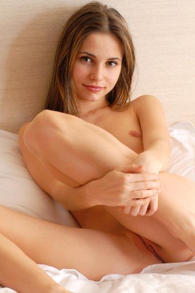 Model Anya in Daydream