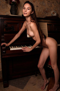 Model Leona Mia in Goth Erotic